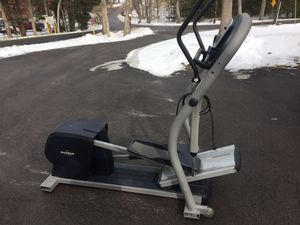 NordicTrack CX 1055 Elliptical Pro Grade for Sale in Jim Thorpe, PA