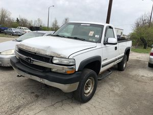 2001 Chevy Silverado 2500hd for Sale in Columbus, OH