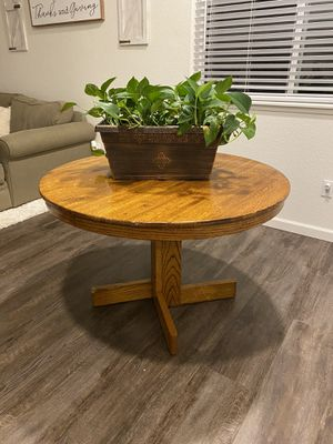 Small wood rustic farmhouse table for Sale in Galt, CA