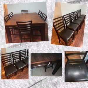 Dining Doom Table- Seats 6 for Sale in Okeechobee, FL