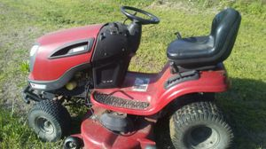 Need clean fill dirt for free. Nesecito tierra el tractor no se vende for Sale in Red Oak, TX