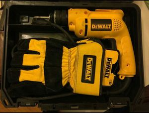 Dewalt electric drill with matching gloves for Sale in Chicago, IL