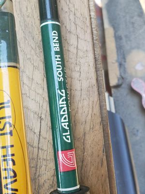 5 fishing rods and case for Sale in Los Angeles, CA