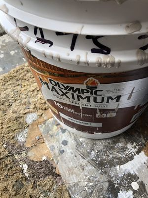 2 gallon s solid fence or deck stain for Sale in Tacoma, WA
