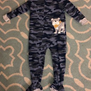 Like-NEW! Carter's size 3T boy's zip-up fleece Footed Footie PJs Onesie Pajamas, Blue Camo with gray dog $8 for Sale in Leander, TX