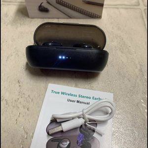 Wireless Earbuds, Bluetooth 5.0, in-Ear Sweat-Proof Stereo with Portable Charging Case, Mic for Sale in Lakeside, CA