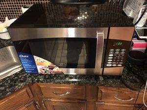 Oster Microwave(like new) for Sale in Baltimore, MD