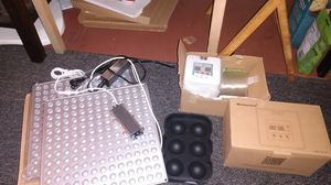 Hydroponic grow lights and timers for Sale in Warren, RI