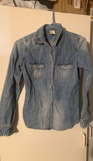 $1 clothes - H&M long sleeve denim size:S for Sale in Hemet, CA