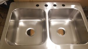 Elkay33-in x 22-in Stainless Steel Double Equal Bowl Drop-In or Undermount 4-Hole Residential Kitchen Sink for Sale in Claremont, CA