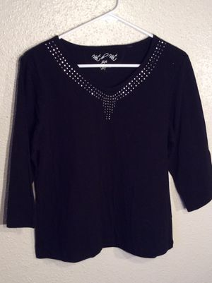 Brand New Beaded Black Women's Knit de Knit 3/4 Sleeve Top Tunic in package - size M-L for Sale in Austin, TX