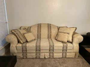 Couch for sale, moving to smaller apt. $80 bucks and it's yours for Sale in Arlington, TX