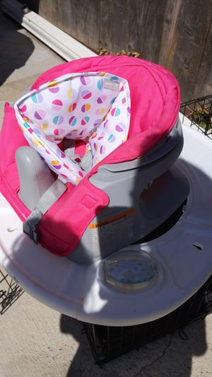 Summer Breeze Booster Seat for Sale in Reedley, CA
