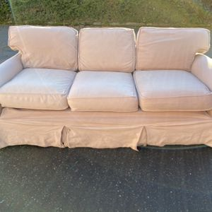 Tan Couch With Pull Out Bed for Sale in Tacoma, WA