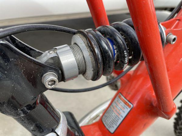 Cannondale Super V 700 Mountain Bike Bicycle V700
