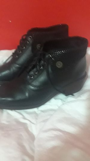 Ladies size 5 italien low cut boots for Sale in San Francisco, CA