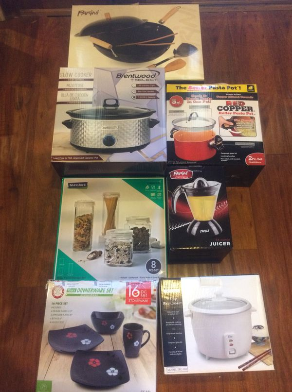 Kitchenware pots, pans, steamers, slow cookers, and more!