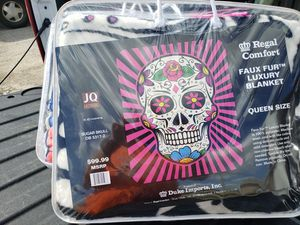 Sugar skull brand new queen size blanket for Sale in Norton, OH