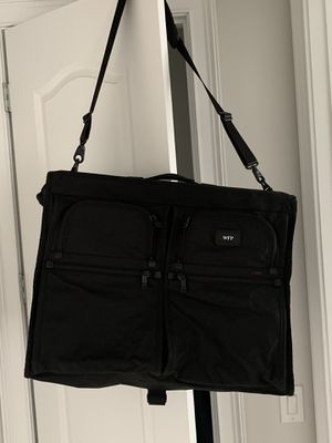 Tumi classic garment bag for Sale in Matthews, NC