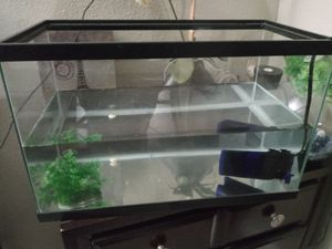 Fish Tank 🐟 for Sale in Apple Valley, CA