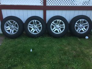 Wintercat Radial SST studded 245/65R17 for Sale in Seattle, WA