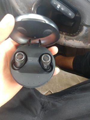 Jbl wireless earbuds for Sale in Reynoldsburg, OH