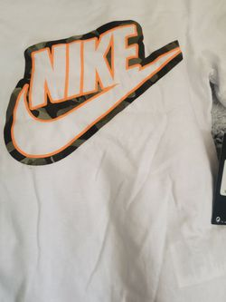 NEW Boys Nike T-Shirt Size 5 for Sale in Chino Hills,  CA