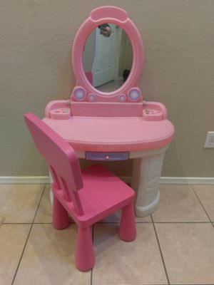 Kids plastic desk and chair for Sale in Sun City, AZ