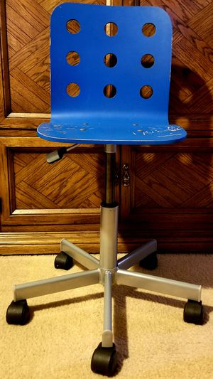 """IKEA Kids Blue Computer Desk Chair with adjustable height. Min. seat height 14 5/8"""" Max. seat height 18 7/8"""" for Sale in Aurora, CO"""