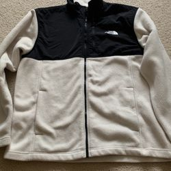 NorthFace Zip Up for Sale in Portland,  OR