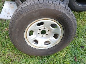 05 - 18 Nissan Frontier wheel with A General Grabber HTS tire 235/75/r15 for Sale in Audubon, NJ
