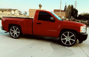 2007 Chevrolet Silverado Cloth Interior Great for Sale in Mesa, AZ