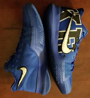 Kyrie Irving 3 nike zoom Duke size 11.5 for Sale in San Leandro, CA