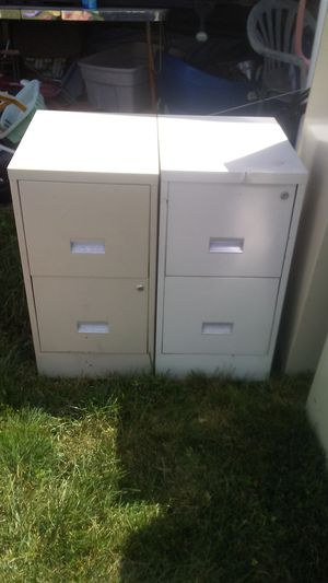 4 2 drawer file cabinets for Sale in Columbus, OH