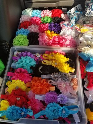Headbands and hairclips for Sale in Compton, CA