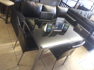 5pcs dinning floor model $199 for Sale in North Las Vegas, NV