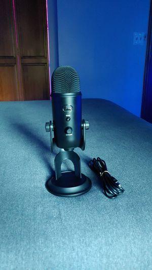 Blue yeti mic for Sale in Fox River Grove, IL