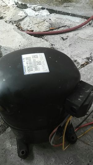 2 ton ac compressor r22 freon for Sale in Miami Gardens, FL