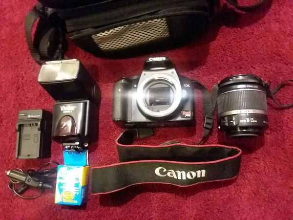 "Canon ESO Rebel XSi / 450D 12.2 MP 3"" Screen Digital SLR Camera Black."