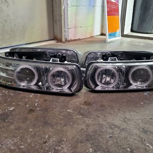 00-06 Chevy Tahoe, Suburban Halo Headlights for Sale in Louisville, KY