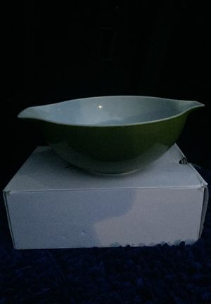 Pyrex 444 4 quart mixing bowl for Sale in Arnold, MO