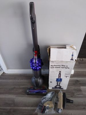 Dyson Small Ball Compact Allergy+ Vacuum for Sale in Gardena, CA