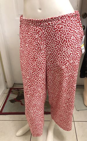 MICHAEL KORS Pants. Brand new. $30 for Sale in Hialeah Gardens, FL