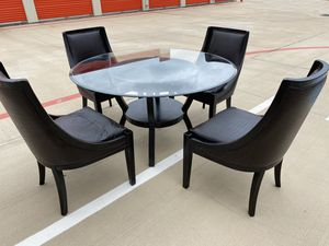 Glass top dining table with chairs for Sale in Houston, TX
