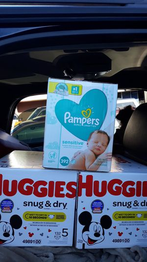 Huggies size 5 2boxes 1box Pampers wipes 1 for Sale in Portland, OR
