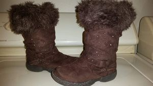 Girls Piper brown fur trim zip up boots size 8. These are girls boots not women's for Sale in BELLEAIR BLF, FL