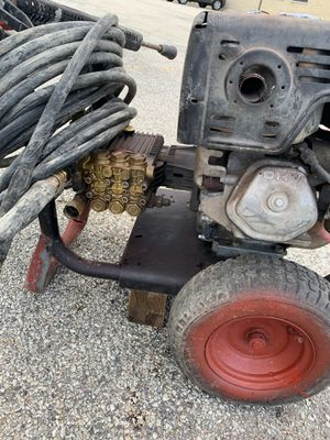 Pressure washing Honda 4000 psi work perfect for Sale in Chicago, IL
