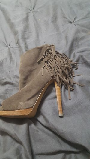 Light brown open toe heels with fringe on the back for Sale in Greer, SC