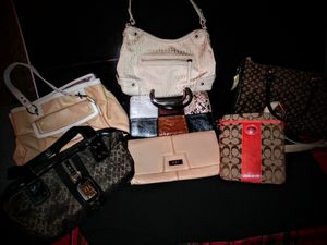 Lot Of Purse, Clutches, & Handbags for sell! for Sale in Los Angeles, CA