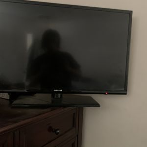 32 Inch Samsung Smart TV for Sale in Los Angeles, CA